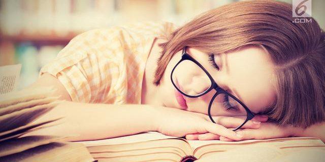 Kurang Tidur Pengaruhi Prestasi Akademik Mahasiswa