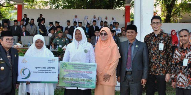 Guru Honorer Kemenag Aceh Barat Dapat Paket Umrah