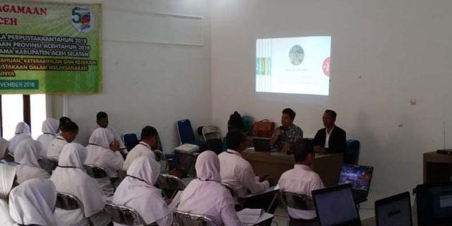 Guru Madrasah Aceh Selatan Dibekali Teknis Pengelolaan Pustaka