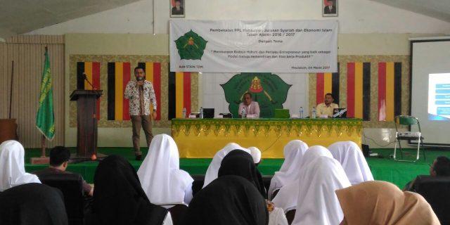 Hadapi MEA, Mahasiswa Syariah Dibekali Ilmu Wirausaha