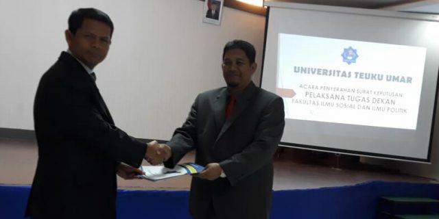 Rektor UTU Tunjuk Mursyidin Plt Dekan Fisip