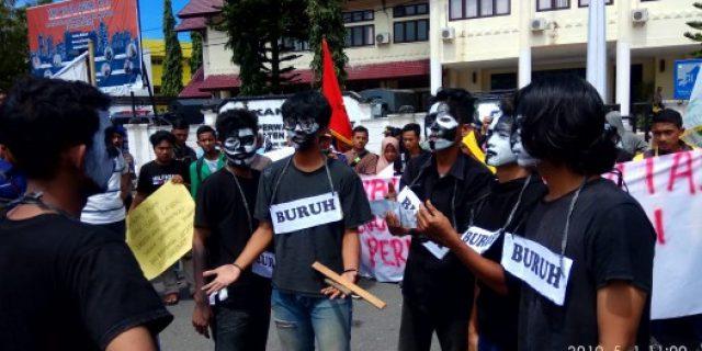 Mahasiswa Tuntut Outsourcing Dihapus