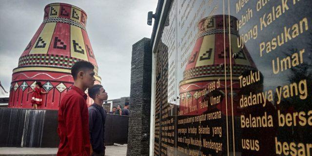 Tugu Kupiah Meukeutop, Tempat Ngabuburit Sejarah di Meulaboh