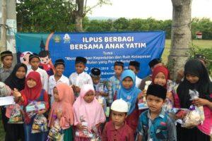 Mahasiswa Ilmu Perpustakaan UIN Ar-Raniry Santuni Anak Yatim dan Fakir Miskin