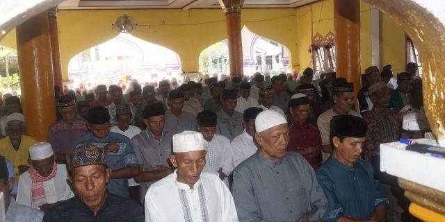 Pengikut Tarekat Syattariyah di Aceh Barat Lebaran Hari Ini
