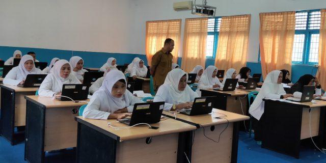 218 Guru Madrasah di Aceh Barat Ikut Seleksi PPG BK