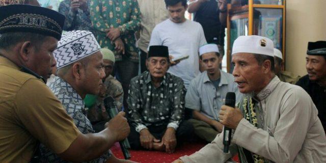 Dua Puluh Dua Warga Nias Masuk Islam