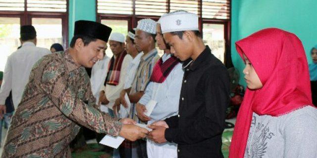 Mualaf di Aceh Barat Terima Bantuan