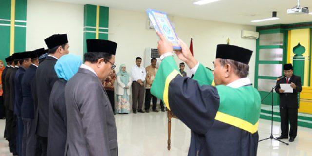 Rektor UIN Ar-Raniry Lantik 19 Pejabat Baru