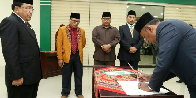 Rektor UIN Ar-Raniry Lantik 25 Pejabat Baru