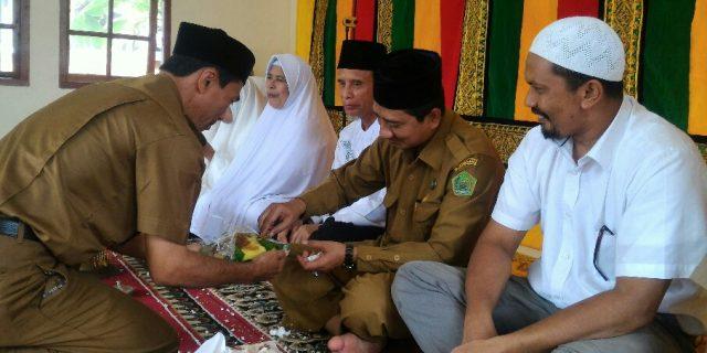 Kemenag Aceh Barat Peusijuk Jemaah Haji