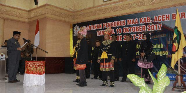 Bupati Kukuhkan MAA Aceh Barat