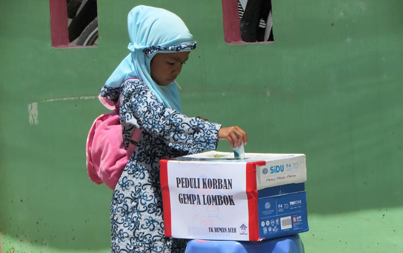 4. Berbagi untuk korban gempa Lombok 1
