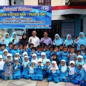 3. Foto bersama asesor BAN PAUD PNF Aceh 1 1548x1161 619x464 1
