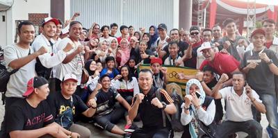 foto bersama atlet pelatih official dan kontingen koni aceh di usai pengalungan medali cabor muaythai 1