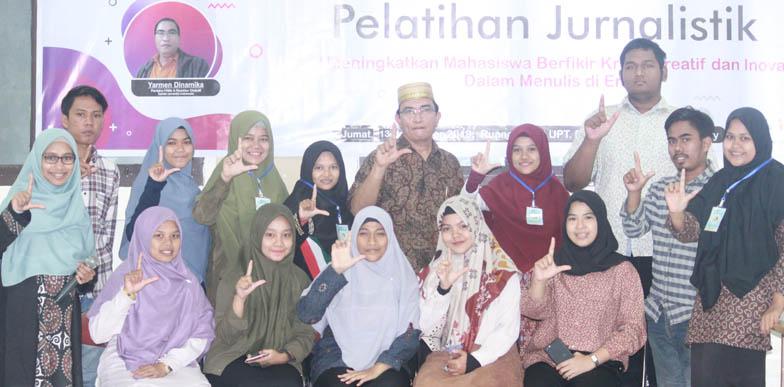 foto bersama peserta pelatihan jurnalistik